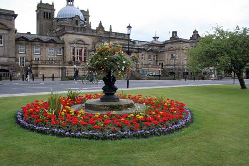 Visit Harrogate from Low Skibeden B&B